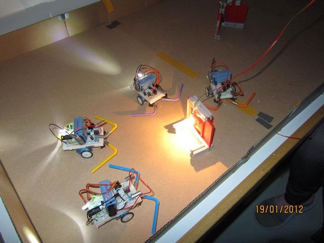 Roboti - mravlje
